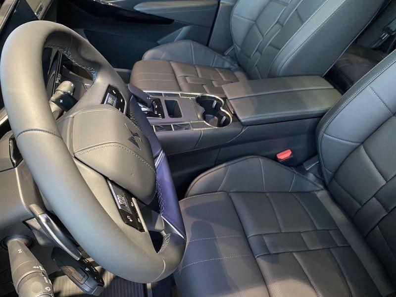 Photo 21 de l'offre de DS DS 7 CROSSBACK PURETECH 225CH GRAND CHIC AUTOMATIQUE 13CV à 53000€ chez YM Automobiles