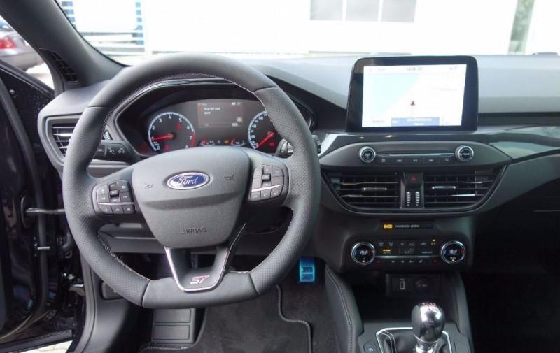 Photo 21 de l'offre de FORD FOCUS 2.3 ECOBOOST 280CH ST 17CV à 37800€ chez YM Automobiles