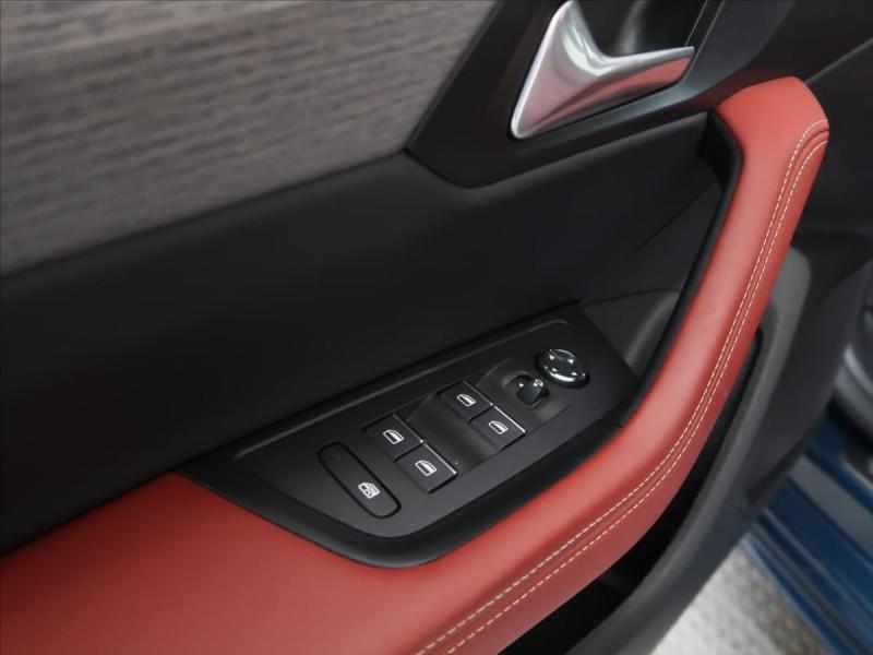 Photo 12 de l'offre de PEUGEOT 508 SW PURETECH 225CH S&S GT EAT8 119G à 31000€ chez YM Automobiles