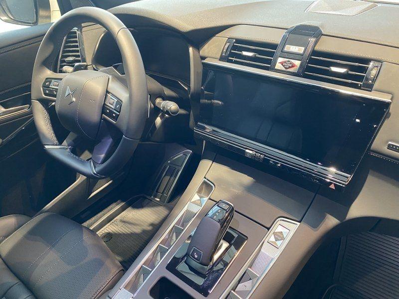 Photo 18 de l'offre de DS DS 7 CROSSBACK PURETECH 225CH GRAND CHIC AUTOMATIQUE 13CV à 53000€ chez YM Automobiles