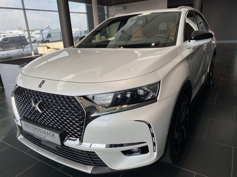 Photo 4 de l'offre de DS DS 7 CROSSBACK BLUEHDI 180CH GRAND CHIC AUTOMATIQUE à 52000€ chez YM Automobiles
