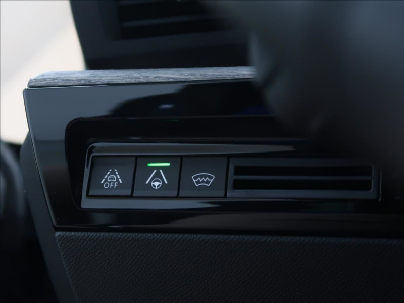 Photo 15 de l'offre de PEUGEOT 508 SW PURETECH 225CH S&S GT EAT8 119G à 31000€ chez YM Automobiles