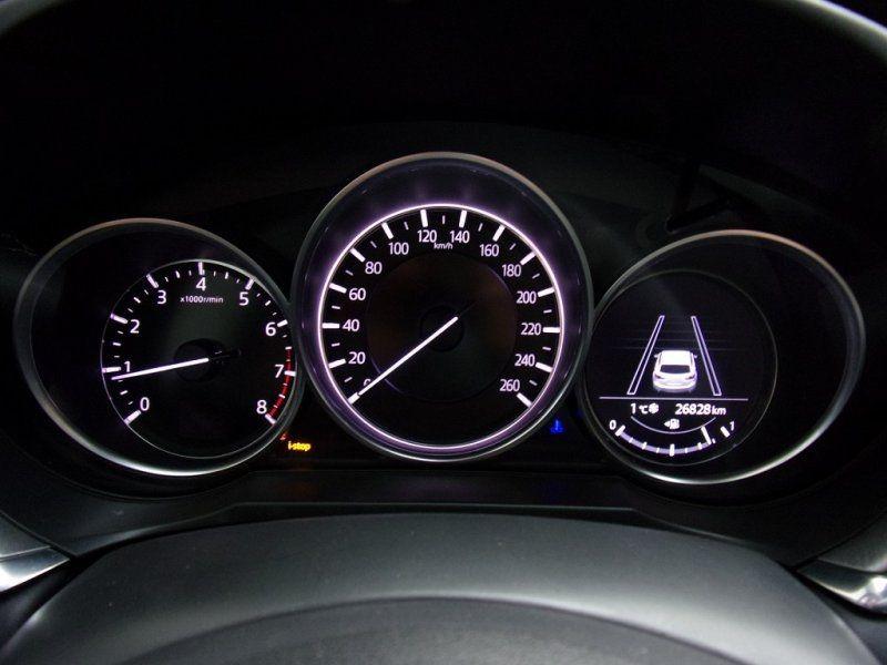 Photo 11 de l'offre de MAZDA MAZDA 6 2.0 SKYACTIV-G 165CH DYNAMIQUE EVAP à 24500€ chez YM Automobiles
