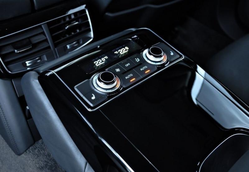 Photo 12 de l'offre de AUDI S8 4.0 V8 TFSI 605CH PLUS QUATTRO TIPTRONIC à 70500€ chez YM Automobiles