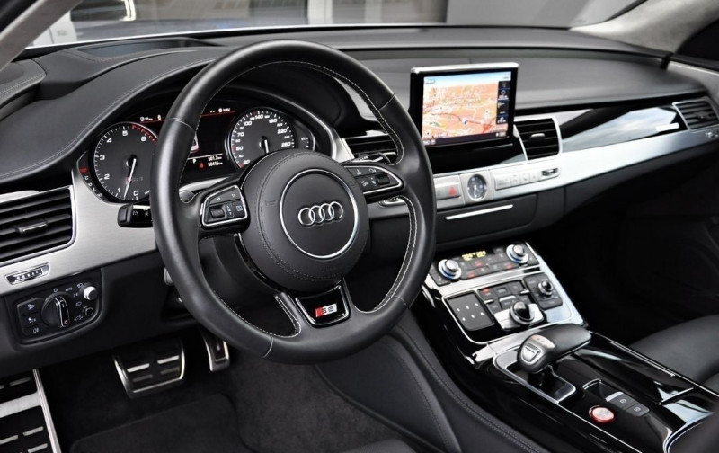 Photo 8 de l'offre de AUDI S8 4.0 V8 TFSI 605CH PLUS QUATTRO TIPTRONIC à 70500€ chez YM Automobiles