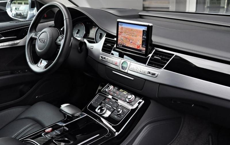 Photo 16 de l'offre de AUDI S8 4.0 V8 TFSI 605CH PLUS QUATTRO TIPTRONIC à 70500€ chez YM Automobiles