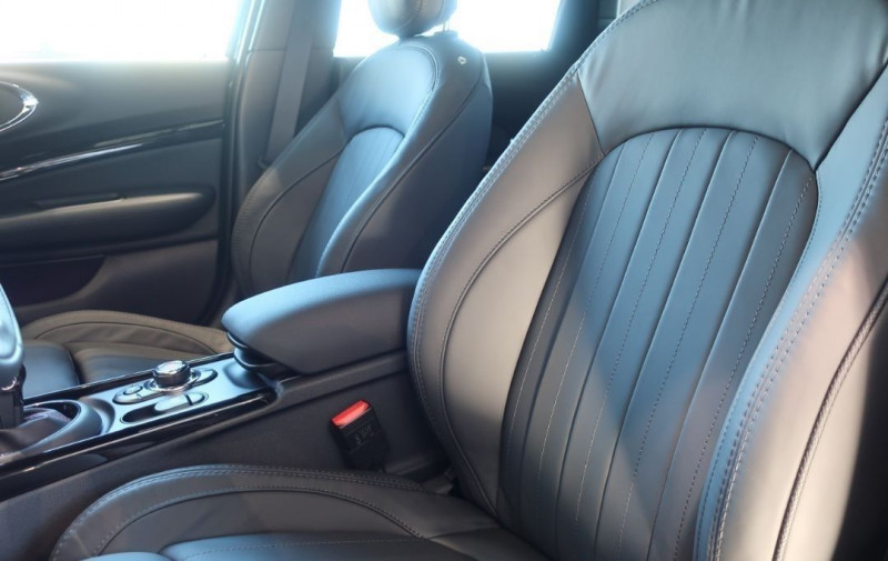 Photo 12 de l'offre de MINI CLUBMAN JOHN COOPER WORKS 306CH ULTIMATE BVA8 à 47800€ chez YM Automobiles