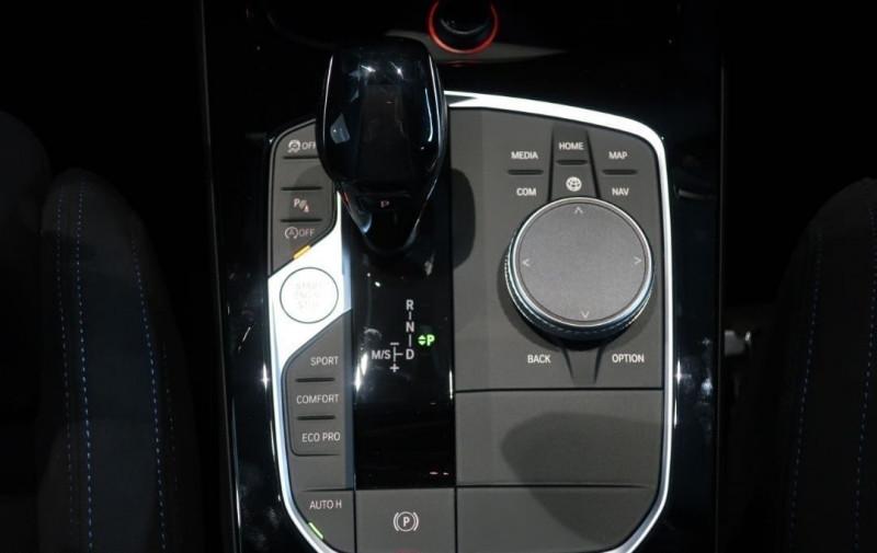Photo 15 de l'offre de BMW SERIE 1 (F40) 120DA XDRIVE 190CH M SPORT à 43500€ chez YM Automobiles