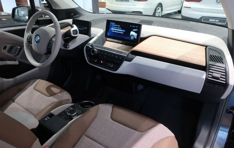 Photo 11 de l'offre de BMW I3 (I01) S 184CH 120AH ILIFE LODGE à 43500€ chez YM Automobiles