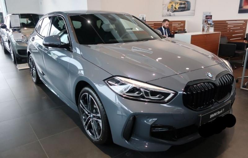 Photo 4 de l'offre de BMW SERIE 1 (F40) 120DA XDRIVE 190CH M SPORT à 43500€ chez YM Automobiles