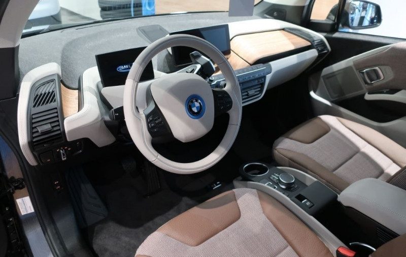 Photo 5 de l'offre de BMW I3 (I01) S 184CH 120AH ILIFE LODGE à 43500€ chez YM Automobiles