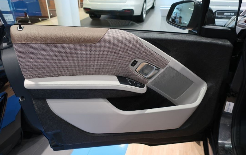 Photo 19 de l'offre de BMW I3 (I01) S 184CH 120AH ILIFE LODGE à 43500€ chez YM Automobiles