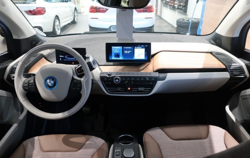 Photo 12 de l'offre de BMW I3 (I01) S 184CH 120AH ILIFE LODGE à 43500€ chez YM Automobiles