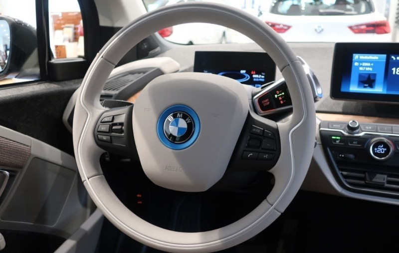 Photo 17 de l'offre de BMW I3 (I01) S 184CH 120AH ILIFE LODGE à 43500€ chez YM Automobiles