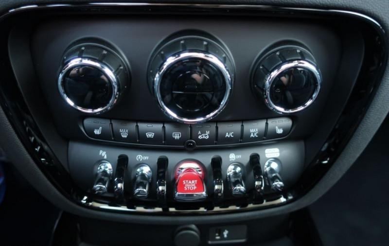 Photo 16 de l'offre de MINI CLUBMAN JOHN COOPER WORKS 306CH ULTIMATE BVA8 à 43500€ chez YM Automobiles