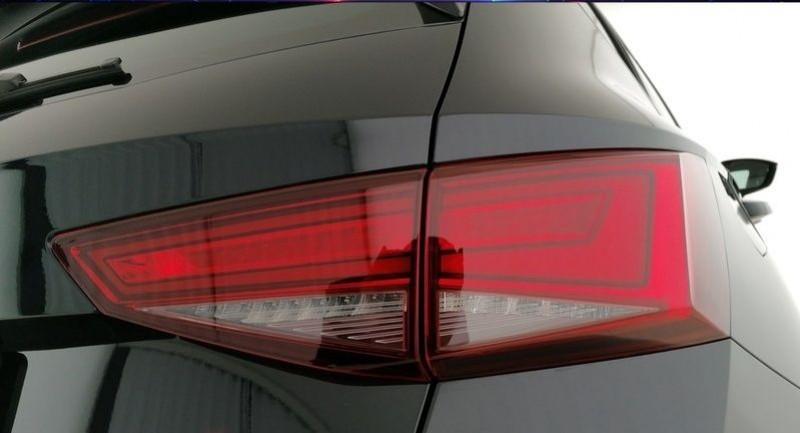 Photo 29 de l'offre de CUPRA ATECA 2.0 TSI 300CH 4DRIVE DSG7 à 44900€ chez YM Automobiles