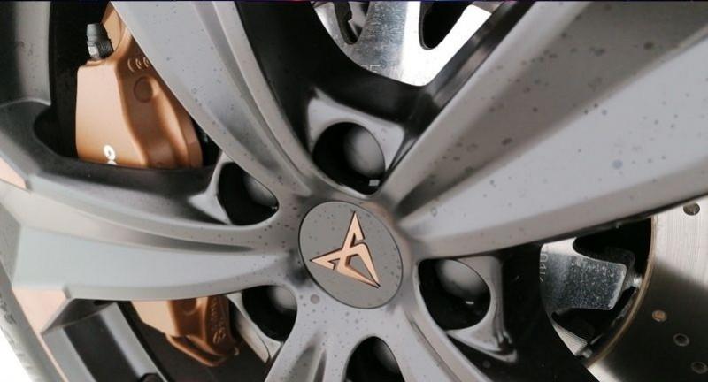 Photo 27 de l'offre de CUPRA ATECA 2.0 TSI 300CH 4DRIVE DSG7 à 44900€ chez YM Automobiles