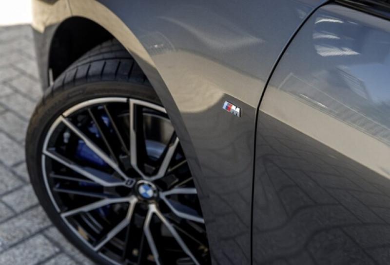 Photo 6 de l'offre de BMW SERIE 1 (F40) 118IA 140CH M SPORT DKG7 à 42000€ chez YM Automobiles