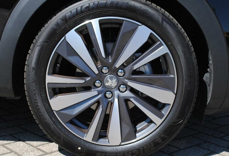 Photo 6 de l'offre de PEUGEOT 5008 1.2 PURETECH 130CH S&S ALLURE EAT8 à 31780€ chez YM Automobiles