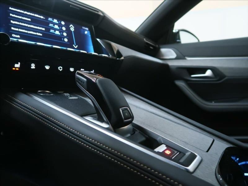 Photo 17 de l'offre de PEUGEOT 508 SW PURETECH 225CH S&S GT EAT8 119G à 33500€ chez YM Automobiles