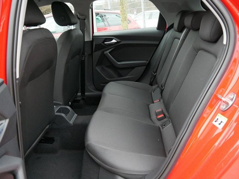 Photo 7 de l'offre de AUDI A1 SPORTBACK 30 TFSI 116CH S LINE S TRONIC 7 à 29000€ chez YM Automobiles