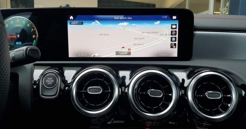Photo 11 de l'offre de MERCEDES-BENZ CLA 250 E 160+102CH AMG LINE 8G-DCT à 48000€ chez YM Automobiles
