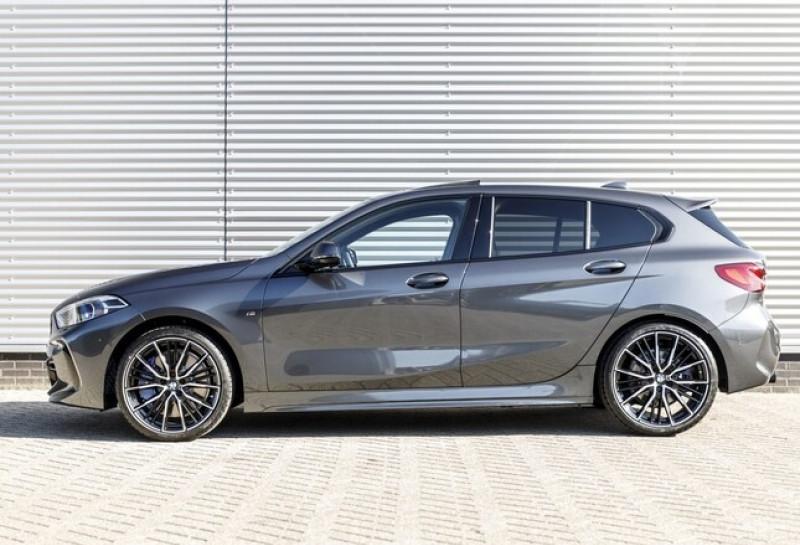Photo 8 de l'offre de BMW SERIE 1 (F40) 118IA 140CH M SPORT DKG7 à 42000€ chez YM Automobiles