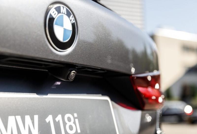 Photo 10 de l'offre de BMW SERIE 1 (F40) 118IA 140CH M SPORT DKG7 à 42000€ chez YM Automobiles