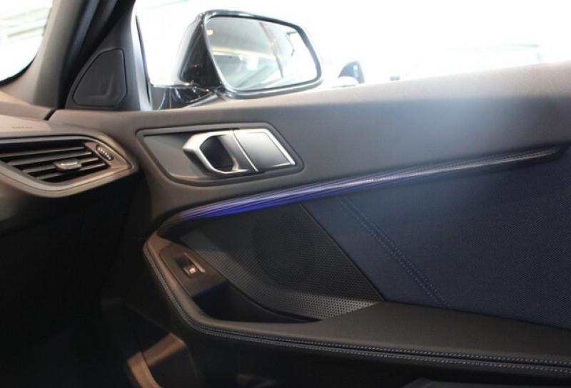 Photo 15 de l'offre de BMW SERIE 1 (F40) 118IA 140CH M SPORT DKG7 à 42000€ chez YM Automobiles