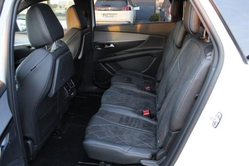 Photo 10 de l'offre de PEUGEOT 5008 1.6 PURETECH 180CH S&S GT EAT8 à 41000€ chez YM Automobiles