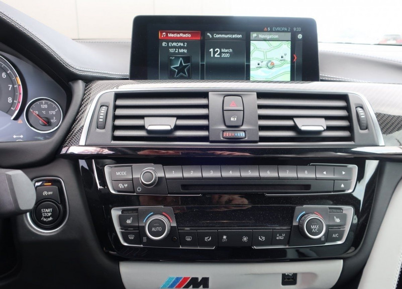 Photo 11 de l'offre de BMW M4 COUPE (F82) M4 431CH DKG à 70000€ chez YM Automobiles