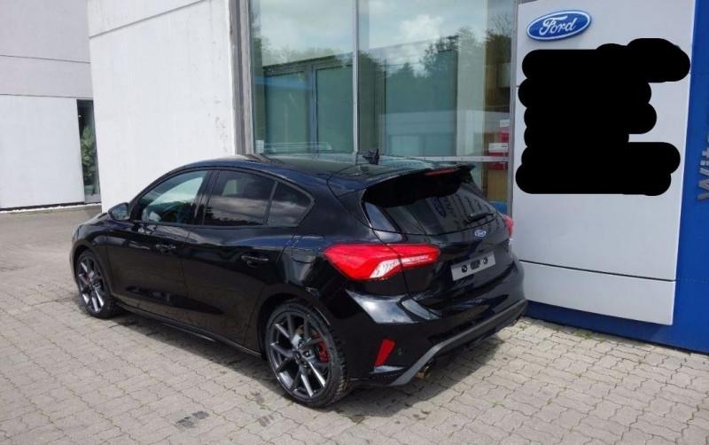 Photo 9 de l'offre de FORD FOCUS 2.3 ECOBOOST 280CH ST 17CV à 37800€ chez YM Automobiles