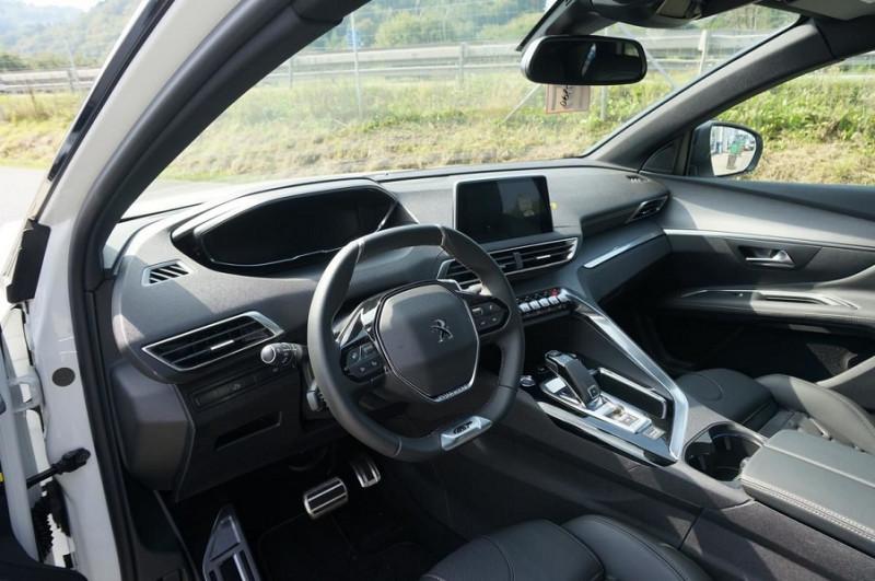 Photo 16 de l'offre de PEUGEOT 3008 2.0 BLUEHDI 180CH S&S GT EAT8 à 34500€ chez YM Automobiles