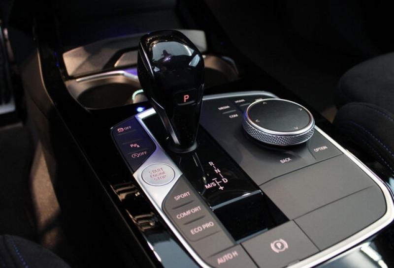 Photo 16 de l'offre de BMW SERIE 1 (F40) 118IA 140CH M SPORT DKG7 à 42000€ chez YM Automobiles