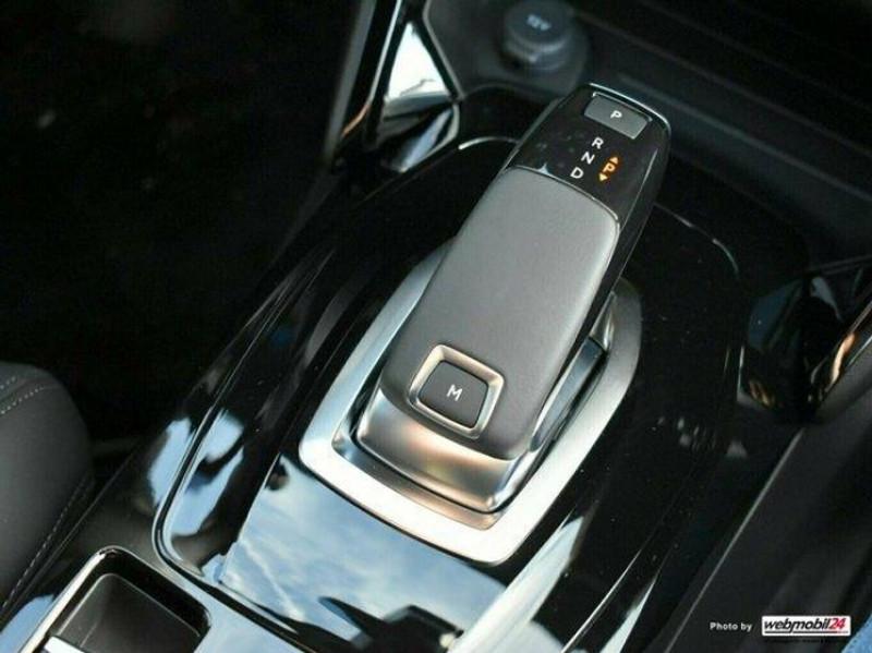 Photo 10 de l'offre de PEUGEOT 2008 1.2 PURETECH 155CH S&S GT EAT8 à 31000€ chez YM Automobiles