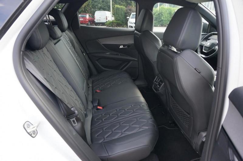 Photo 11 de l'offre de PEUGEOT 3008 2.0 BLUEHDI 180CH S&S GT EAT8 à 34500€ chez YM Automobiles