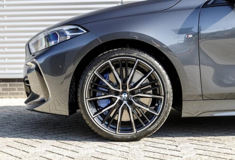 Photo 7 de l'offre de BMW SERIE 1 (F40) 118IA 140CH M SPORT DKG7 à 42000€ chez YM Automobiles