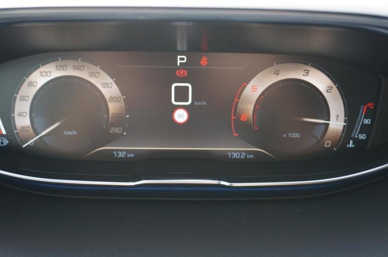 Photo 19 de l'offre de PEUGEOT 3008 2.0 BLUEHDI 180CH S&S GT EAT8 à 34500€ chez YM Automobiles
