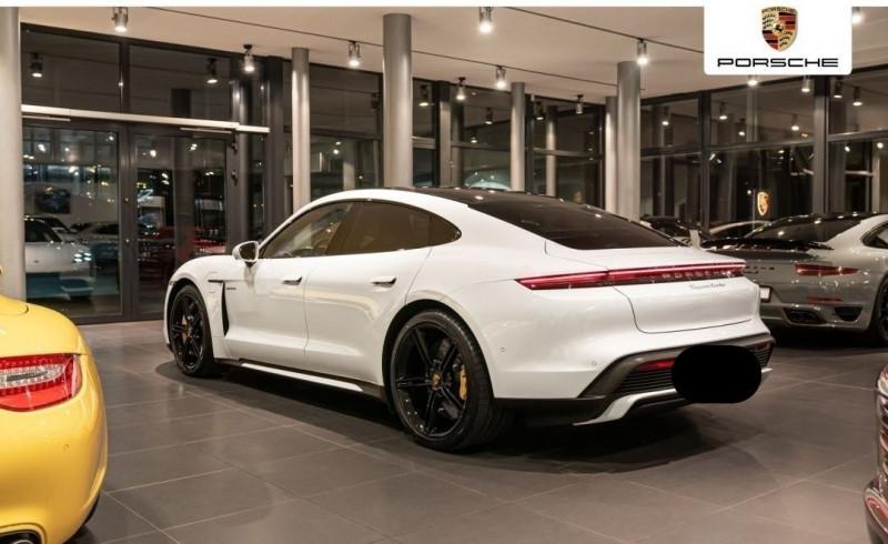Photo 4 de l'offre de PORSCHE TAYCAN 571CH 4S AVEC BATTERIE PERFORMANCE PLUS à 150000€ chez YM Automobiles