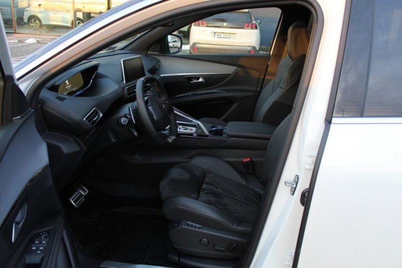 Photo 9 de l'offre de PEUGEOT 5008 1.6 PURETECH 180CH S&S GT EAT8 à 41000€ chez YM Automobiles