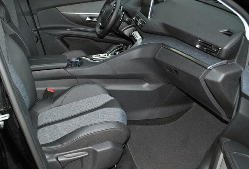 Photo 9 de l'offre de PEUGEOT 5008 1.2 PURETECH 130CH S&S ALLURE EAT8 à 31780€ chez YM Automobiles
