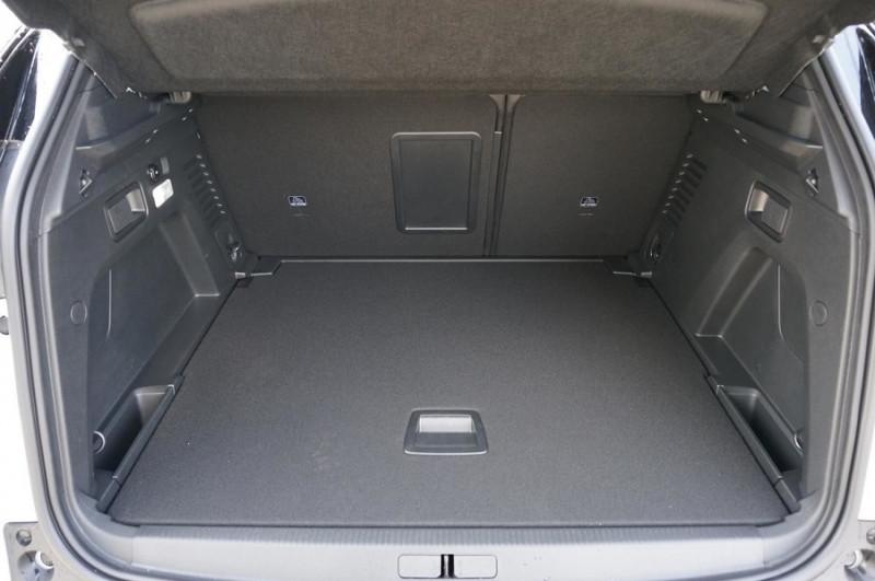 Photo 8 de l'offre de PEUGEOT 3008 2.0 BLUEHDI 180CH S&S GT EAT8 à 34500€ chez YM Automobiles