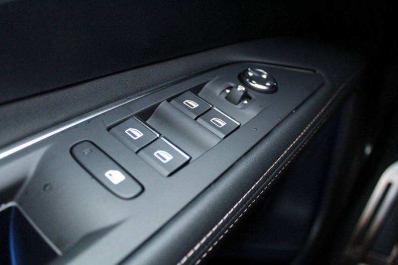Photo 17 de l'offre de PEUGEOT 3008 1.6 PURETECH 180CH S&S GT PACK EAT8 à 40500€ chez YM Automobiles