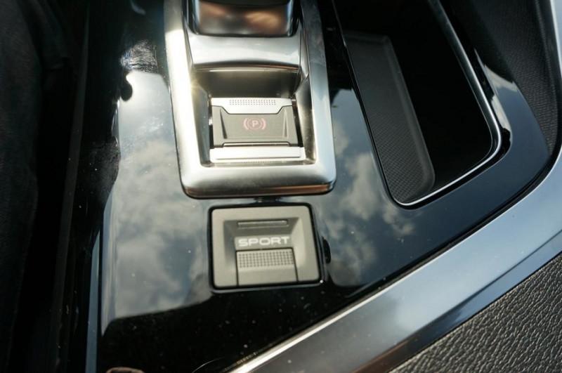 Photo 24 de l'offre de PEUGEOT 3008 2.0 BLUEHDI 180CH S&S GT EAT8 à 34500€ chez YM Automobiles