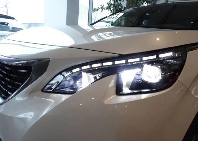 Photo 10 de l'offre de PEUGEOT 5008 2.0 BLUEHDI 180CH S&S GT EAT8 à 37920€ chez YM Automobiles