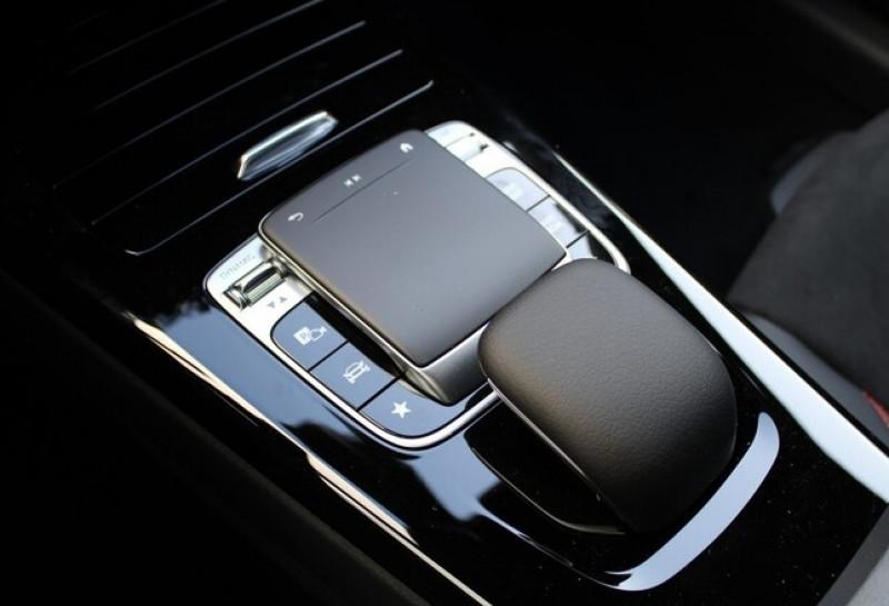 Photo 13 de l'offre de MERCEDES-BENZ CLA 250 E 160+102CH AMG LINE 8G-DCT à 49500€ chez YM Automobiles