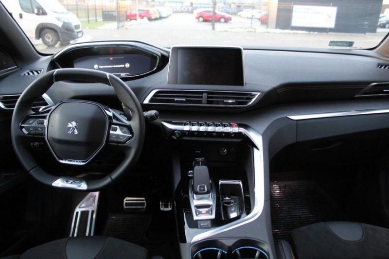 Photo 12 de l'offre de PEUGEOT 5008 1.6 PURETECH 180CH S&S GT EAT8 à 41000€ chez YM Automobiles