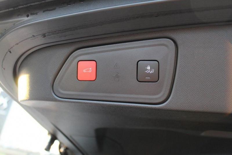Photo 9 de l'offre de PEUGEOT 3008 1.6 PURETECH 180CH S&S GT PACK EAT8 à 40500€ chez YM Automobiles