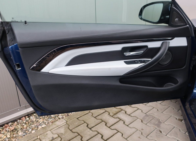 Photo 8 de l'offre de BMW M4 COUPE (F82) M4 431CH DKG à 70000€ chez YM Automobiles