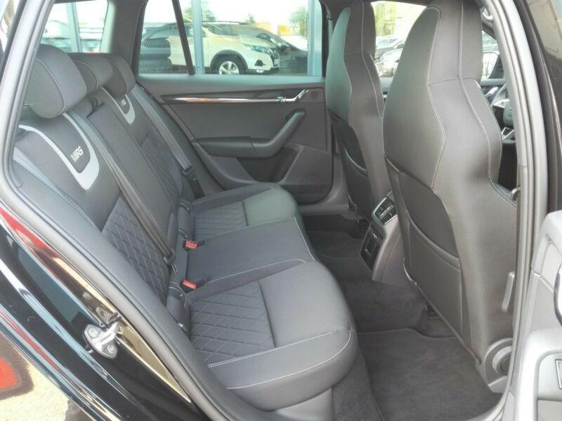 Photo 11 de l'offre de SKODA OCTAVIA BREAK 2.0 TSI 245CH RS DSG7 EURO6D-T EVAP à 35100€ chez YM Automobiles